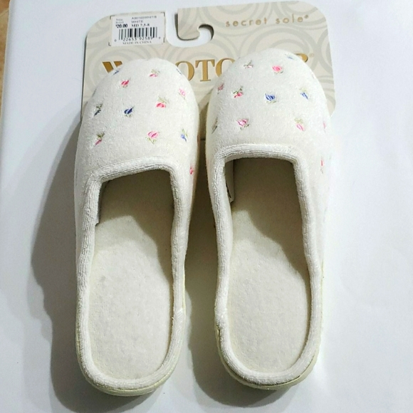 ISOTONER SECRET SOLE SLIPPERS